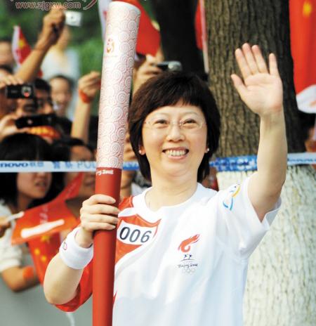 奥运火炬手蔡小桃:与员工分享传递火炬的快乐