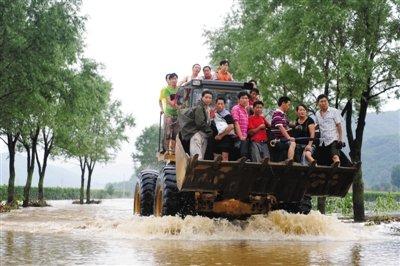 双台风灾害致7省8人死亡 辽宁多条铁路一度中断